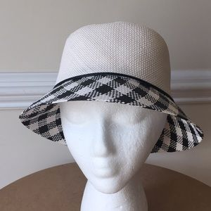 White House Black Market Black White plaid hat